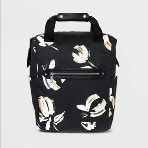 New with tags Flower backpack.